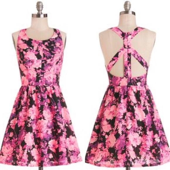 Modcloth Dresses & Skirts - ModCloth Ark & Co Cut Out bright Floral Dress